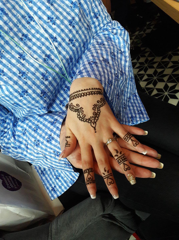 Tatuaj Sampon Si Vopsea De Par Cu Henna