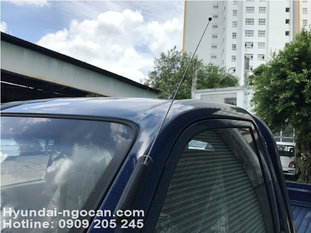 hyundai 1 tấn h100 Xe tải Hyundai 1 tấn H100 thùng lửng màu xanh Hyundai 1 tan h100 thung lung 2B 25281 2529