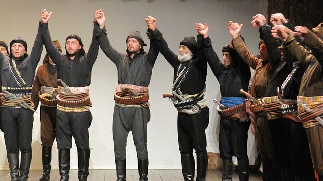 """""""Οι ρίζες ποτέ δεν κόβονται"""",  Μία παράσταση - αφιέρωμα στη Γενοκτονία (Φωτο)"""