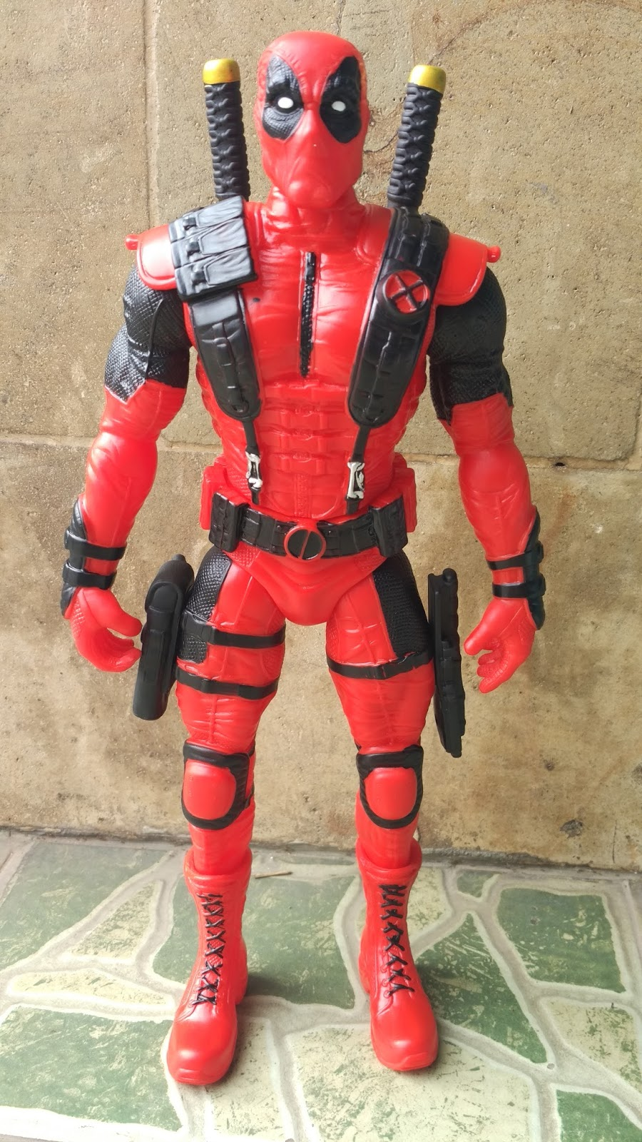 pernak pernik deadpool; pernak pernik superhero; pernak pernik unik; action figure deadpool; action figure grosir; pernak pernik figure