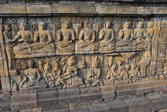 Relieve en la pared del Borobudur