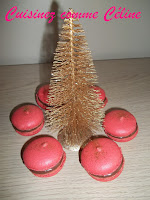 http://cuisinezcommeceline.blogspot.fr/2015/12/macarons-ganache-chocolat-framboises.html