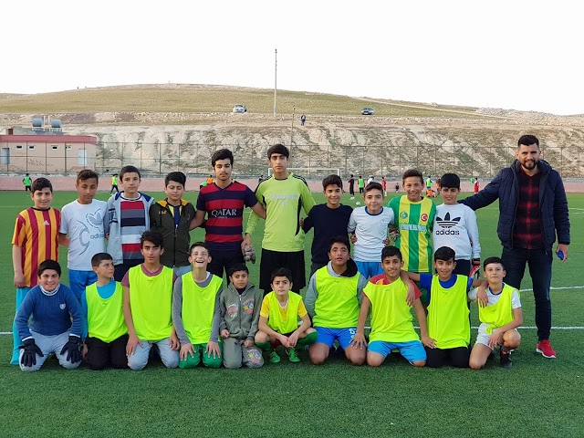 Bozovalı gençler sporla kötü alışkanlıklardan uzak duruyor