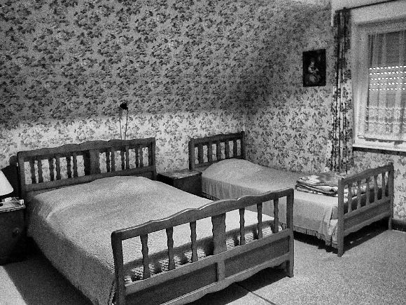 haunted house bedroom
