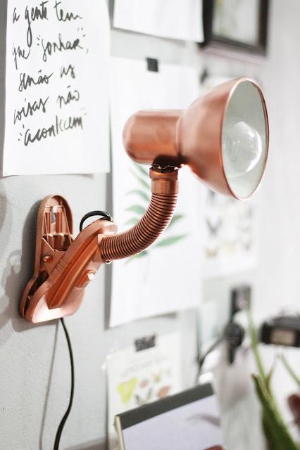 decorando-quarto-banheiro-com-objetos-rose-gold-lipstickandpolaroids