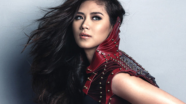 Sarah Geronimo Gets Up Like A Pro After Falling Out Of Balance While Performing On ASAP Stage!