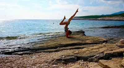 retragere, retragere yoga, Cluj, Edó, yoga, constelaţii familiale, LIP, meditație, mantra, dansul chakrelor, dans meditativ, comunitate, Croatia, Hvar, Vrboska,