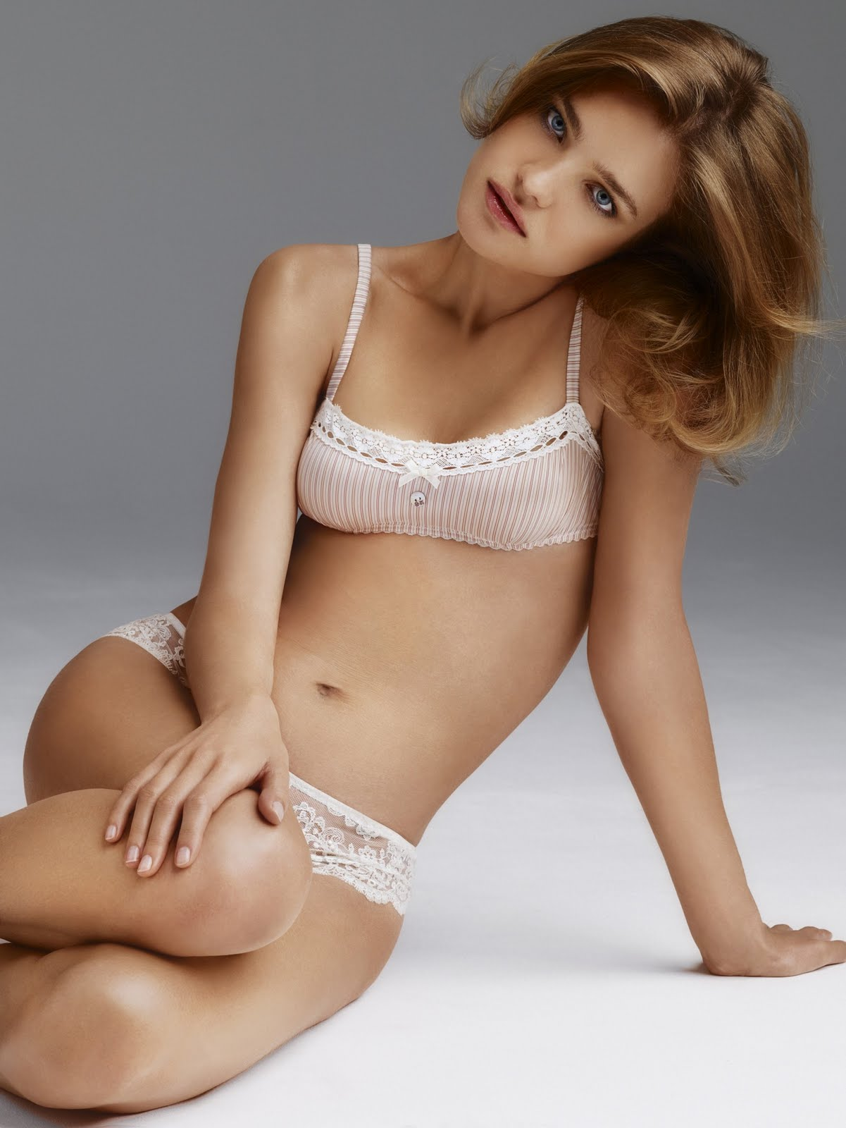 Cleavage Natalia Vodianova nude (39 photos), Pussy, Cleavage, Twitter, lingerie 2020