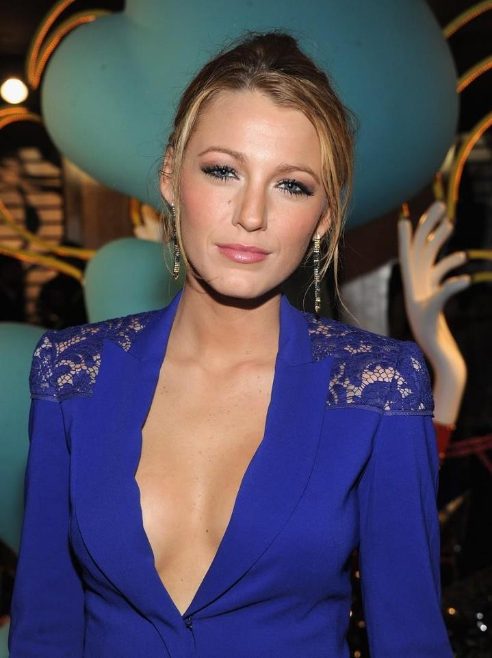 hollywood actress blake lively hot pictures | Exclusive ...