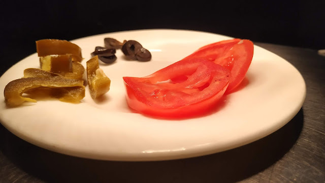Pizza toppings olive jalapeno tomato pizza Recipe