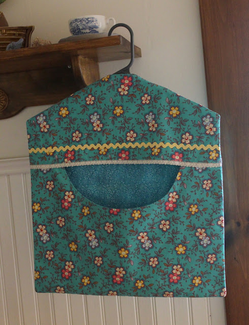 https://www.etsy.com/listing/620338107/turquoise-clothes-pin-bag-ready-to-ship?ref=shop_home_active_4