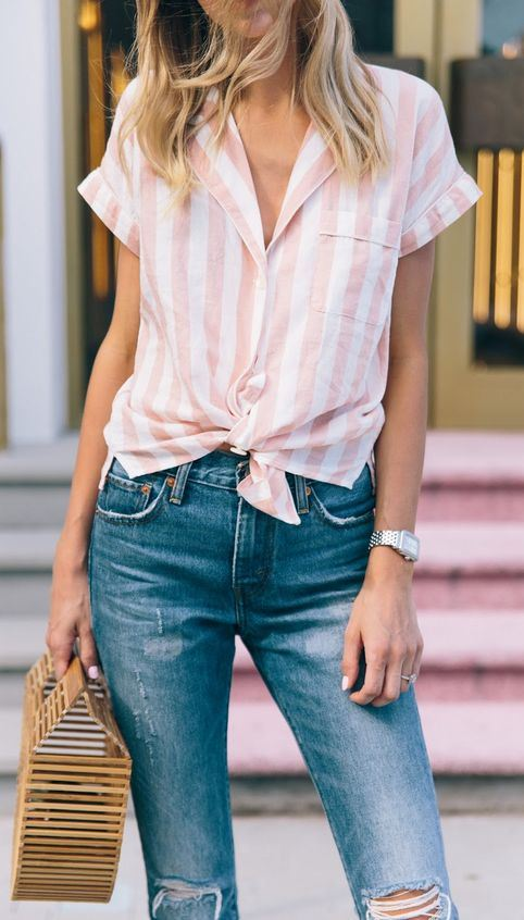 best office outfit idea / striped shirt + bag + ripped jeans