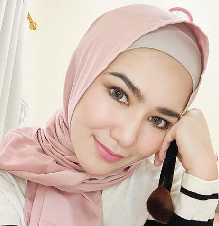 Masayu Clara Pakai Hijab 1