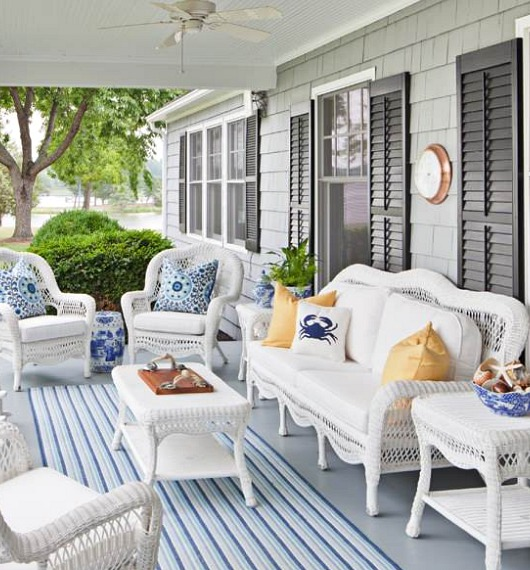 White Outdoor Wicker Seating With