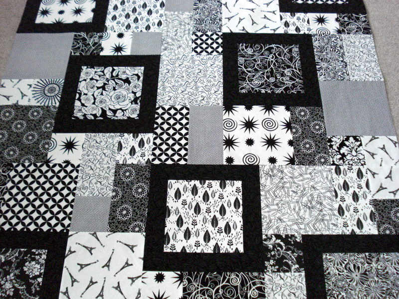 The way i sew it two for the show for Black white and gray quilt patterns