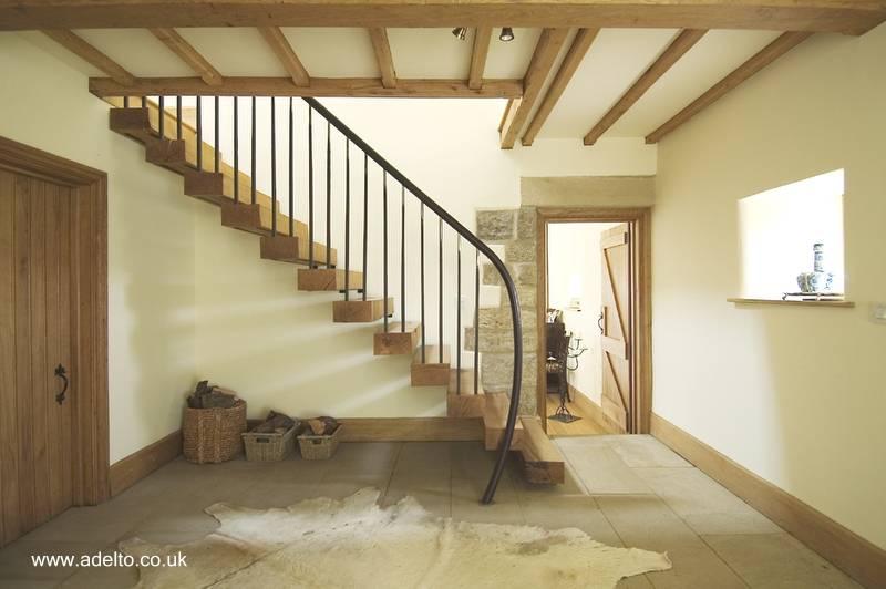 escalera de escalones flotantes de madera