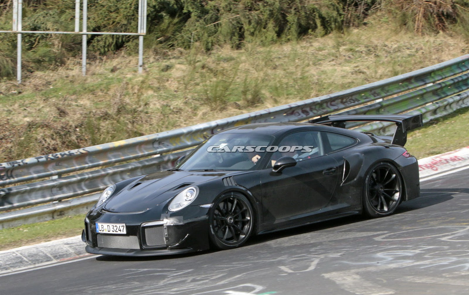 2018 porsche 911 gt2 rs reveals some of its scary secrets. Black Bedroom Furniture Sets. Home Design Ideas