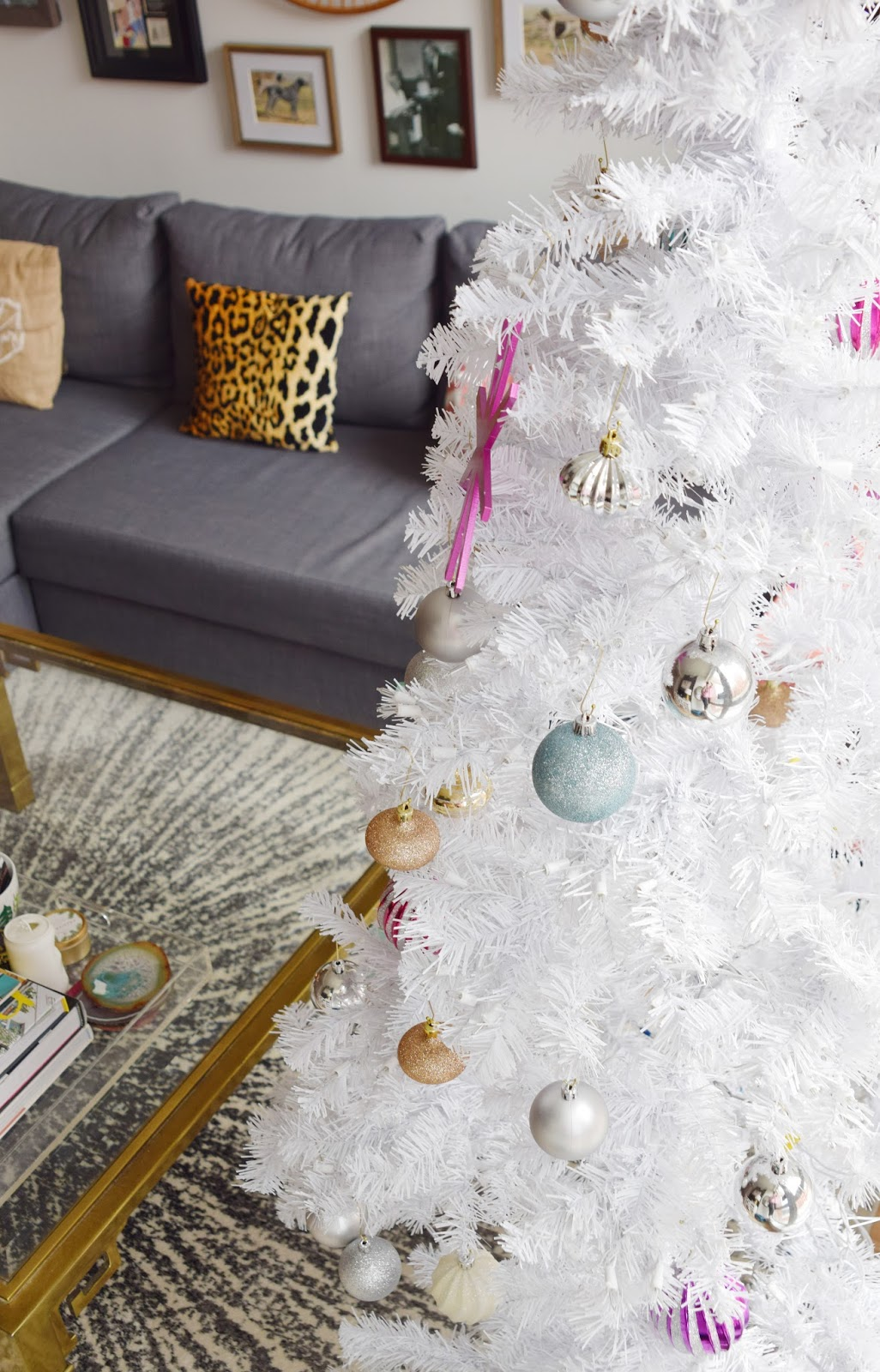 How We Decorate for the Holidays in 600 Square Feet