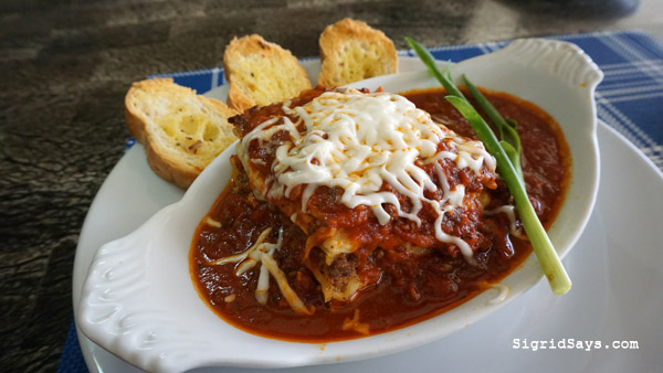 Bacolod restaurants - Papa Rizzo's restaurant at the Club