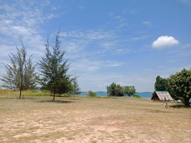 Pantai terbaik di Batam Pantai Tegar Bahari Beach
