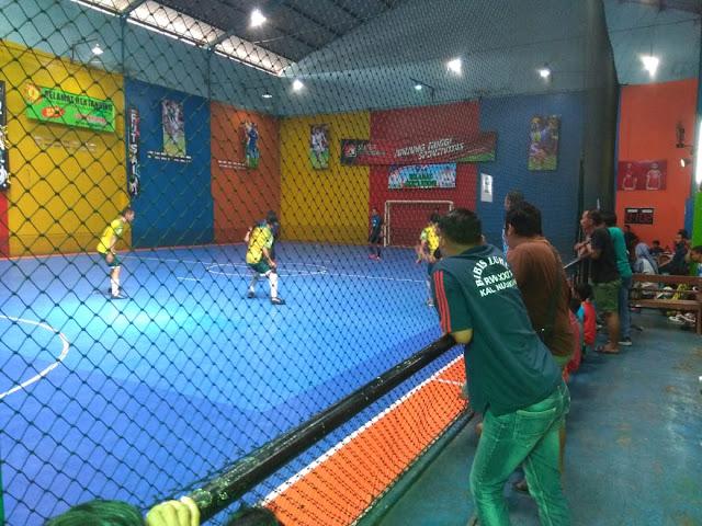 Peran Aktif Babinsa Kelurahan Nusukan Dalam Mengamankan Turnamen Futsal Di Wilayahnya