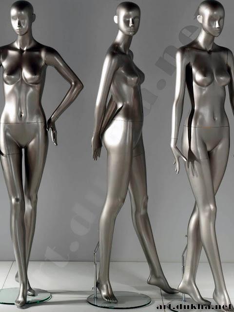Три манекена из жидкого металла