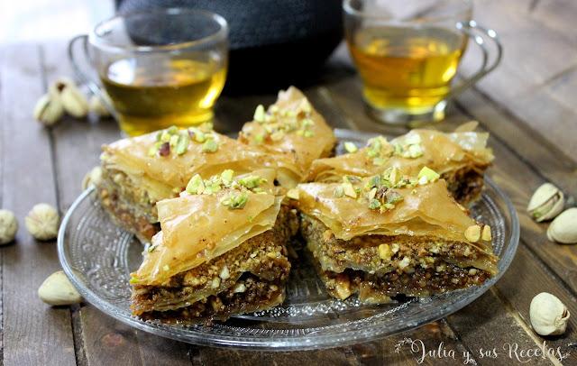 Baklava de almendra y pistachos. Julia y sus recetas