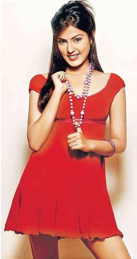 Rhea Chakraborty Hot Photos In Mere Dad Ki Maruti Movie-1755