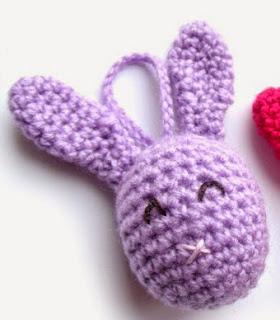 http://translate.googleusercontent.com/translate_c?depth=1&hl=es&rurl=translate.google.es&sl=de&tl=es&u=http://kardiomuffelchen.com/crochet/last-minute-easter-bunny-eggs/&usg=ALkJrhi44TMZfT8rb3ikyd87mXyR63LCCA