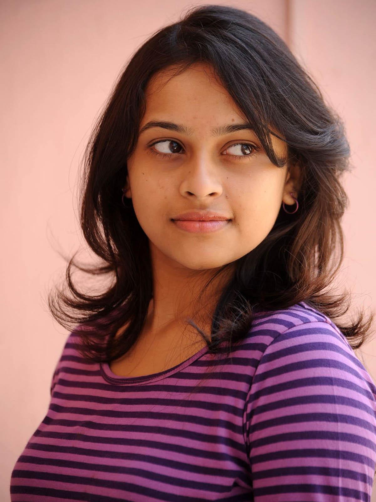 Sri Divya Stills  Tamil Actress Tamil Actress Photos -8831