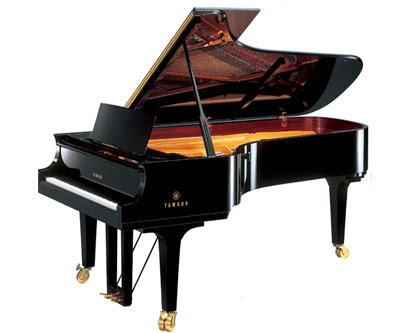 dan Grand Piano Yamaha C5