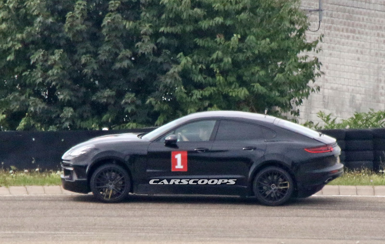 Scoop Ugly Mule Proves Porsche Working On New Cayenne Suv Coupe