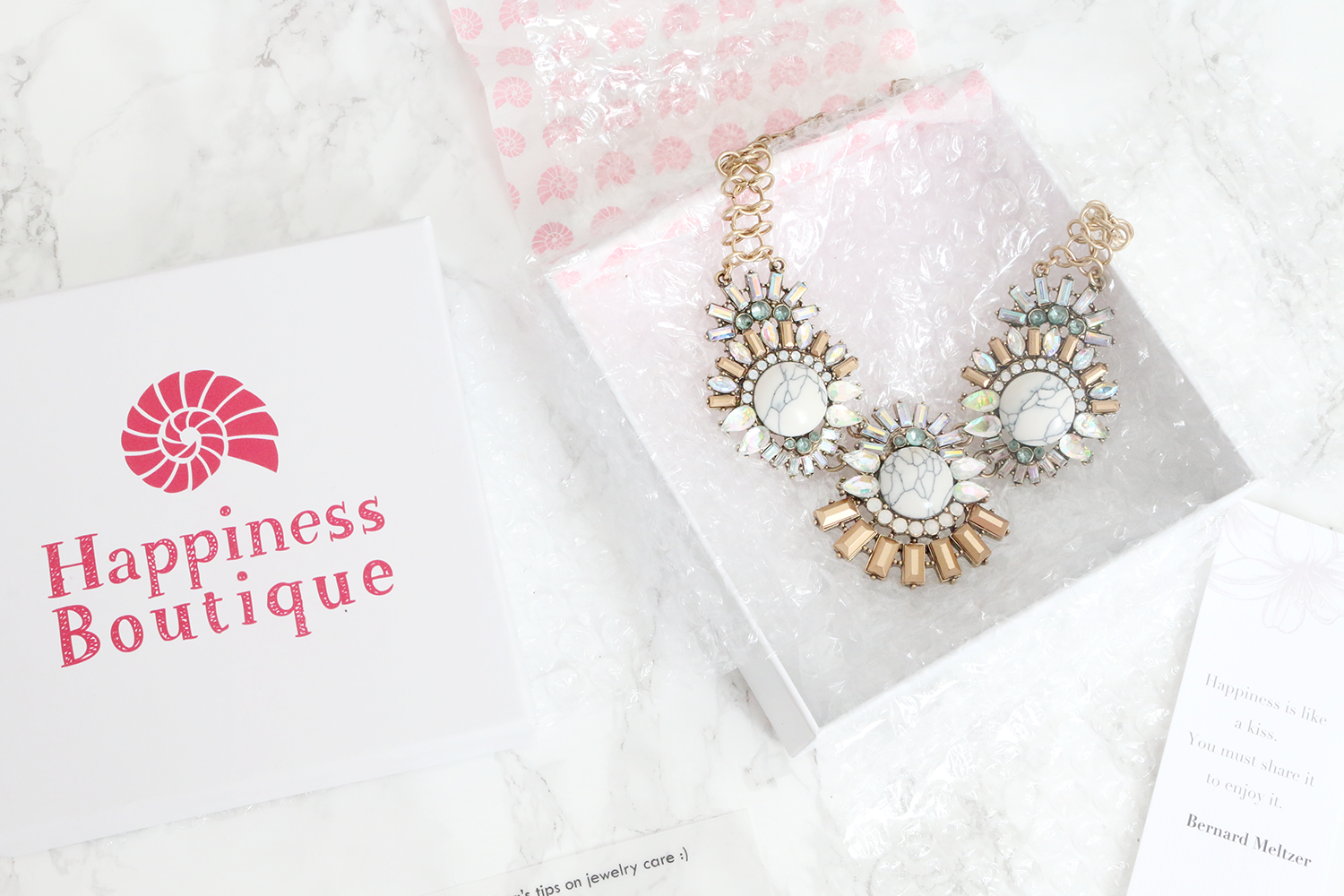Happiness Boutique Sparkling Marble Statement Necklace
