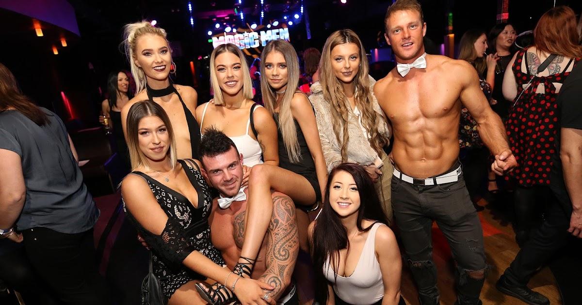 Male strippers strips girls