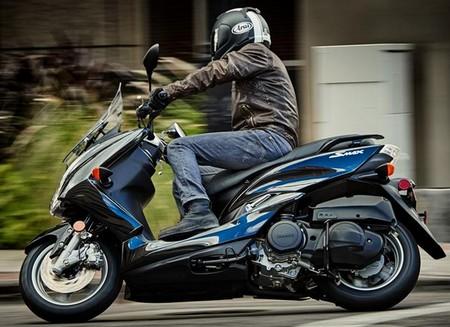 Fitur Yamaha SMAX