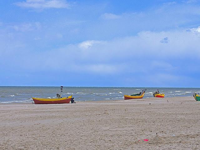 plaża widok na okolicę, Dębki, kutry