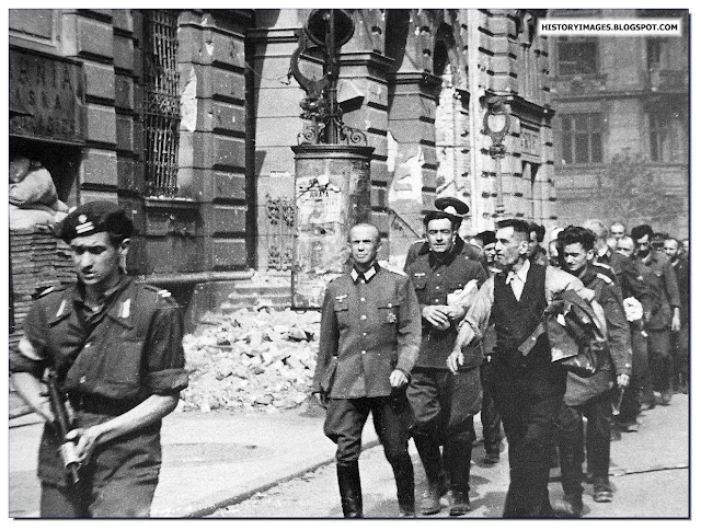 August 1944 German prisoners led by a Home Army soldier Warsaw Uprising