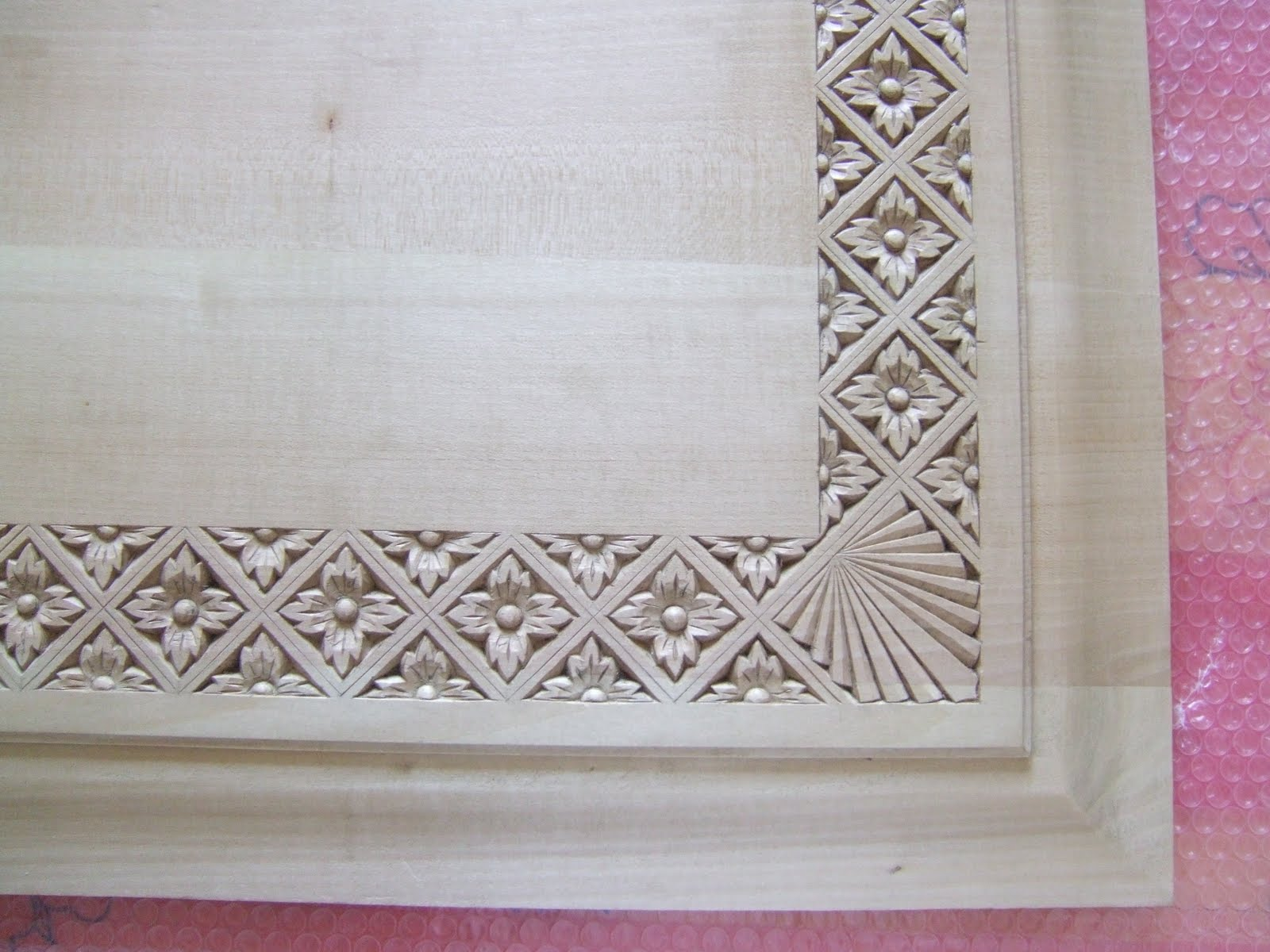 Chip carving: intaglio del legno a coltello di Rita Arcaleni ...