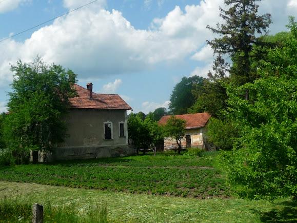 Долина. Жилые дома, входящие в архитектурный ансамбль «Салина»
