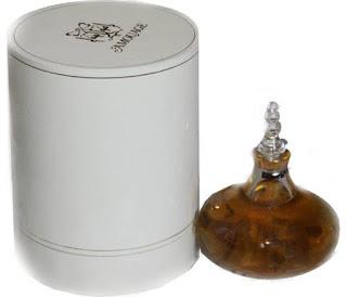 Parfum Isi Ulang yang Wangi dan Tahan Lama Untuk Wanita  Bukan 10 Parfum Isi Ulang yang Wangi dan Tahan Lama Untuk Wanita 2019