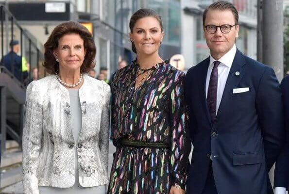 Queen Silvia, Crown Princess Victoria  and Princess Sofia attended the concert at Stockholm Concert Hall. Squin dress