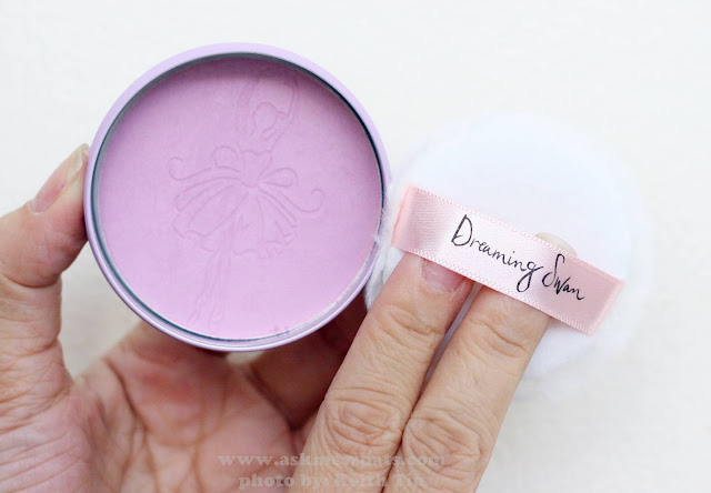 A photo of Etude House Dreaming Swan Eye & Cheek Purple