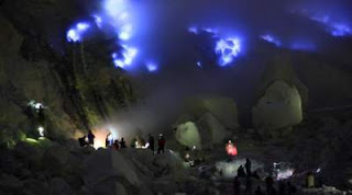 Explore Kawah Ijen Blue Fire Di Banyuwangi