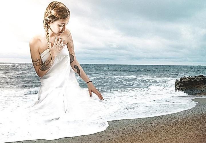 As montagens da artista Monica Carvalho