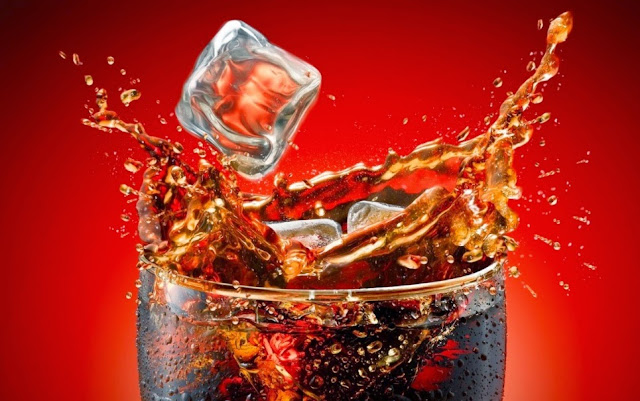 Beber refrigerante faz tanto mal quanto o cigarro, diz estudo