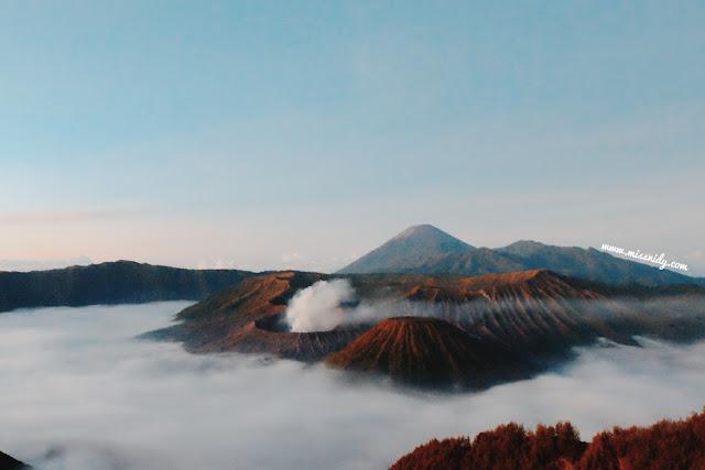 foto sunrise gunung bromo