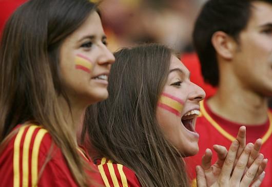 Beautiful Spanish Fans Of Euro 2012 - Istoryadista -4021