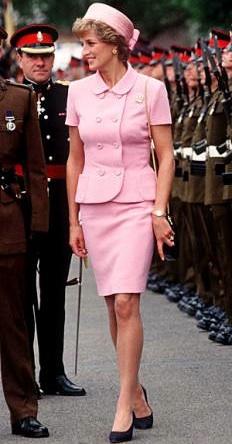 Jackie Kennedy Pink Chanel Suit Blood - iwate-kokyo