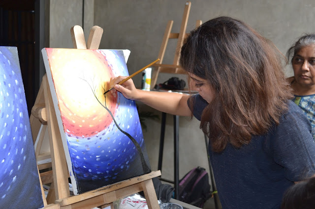 Popular artist Geetanjali Chatrath Talwar will conduct the live painting event on 24th September