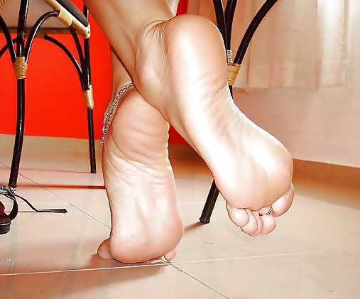 Heel high in mature naked woman